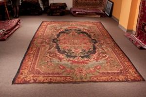 Floral Design Semi Antique Kilim Rug  size  8' x 11'